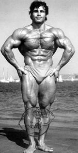 Franco Columbu posing