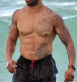 Shawne Merriman at beach