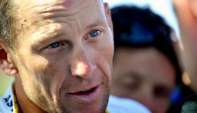 Lance Armstrong Loses Bid To Halt Lawsuit